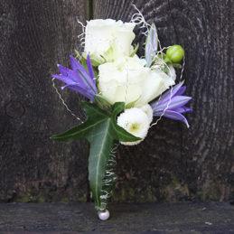 Blumenanstecker für Bräutigam - Hochzeitsfloristik - Blumen Eder