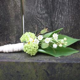 Handstrauß mit Maiglöckchen - Blumen Eder