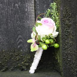 Blumenanstecker für Bräutigam - Rosa rosa - Hochzeitsfloristik - Blumen Eder