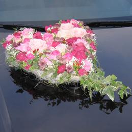 Blumenherz Hochzeit - Autoschmuck - rosarot - Blumen Eder Rosenheim
