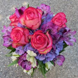 Blumenstrauß, Hochzeitsstrauß - lila, pink, rund - Hochzeitsfloristik - Blumen Eder Rosenheim
