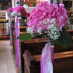 Blumenschmuck für Kirche - Bankschmuck rosa - Blumen Eder