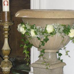 Blumenschmuck für Kirche - Taufbecken - Blumen Eder