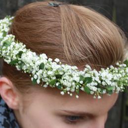Floraler Haarschmuck für Hochzeit im Blumenhaus Eder