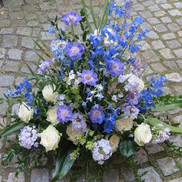 Trauergesteck blau - Blumengesteck - Blumen Eder