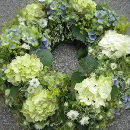 Trauerkranz rund - Trauerfloristik - Blumen Eder Rosenheim
