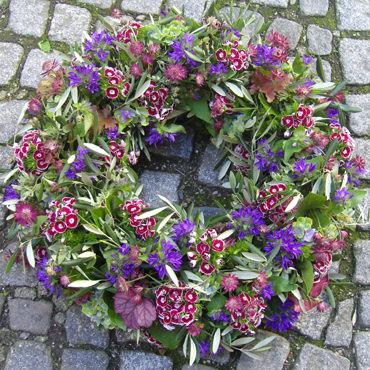 Trauerkranz - lila, violett - Trauerfloristik - Blumen Eder Rosenheim