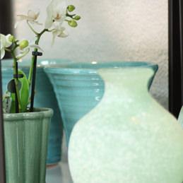 Keramik und Vasen in Aqua - Blumen Eder Rosenheim, Stephanskirchen